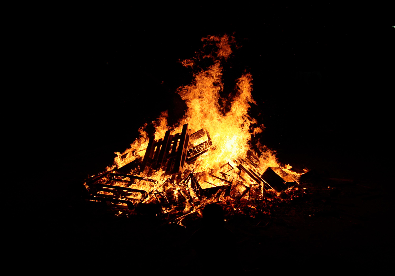 11 Fire Pieces | Texture Fabrik